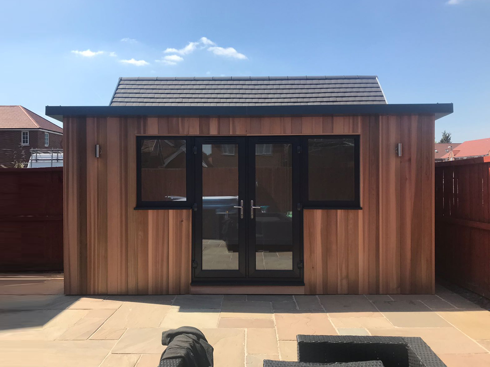 4.2m-x-2.4m-Contemporary-Studio-with-overhanging-roof