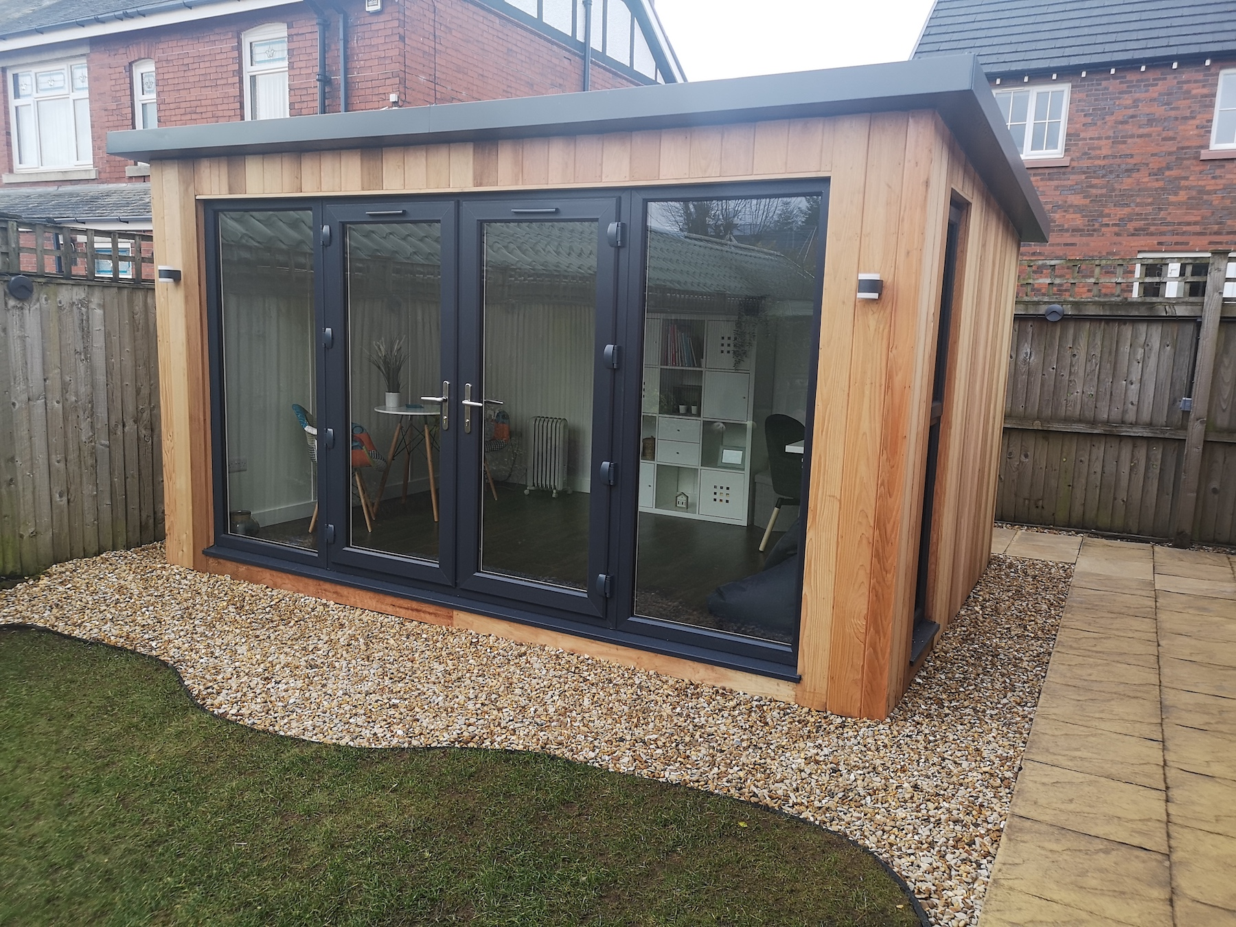 4.2m x 3m Contemporary Studio with overhanging roof